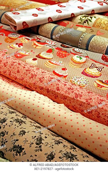 Oilcloths table, textile fibers