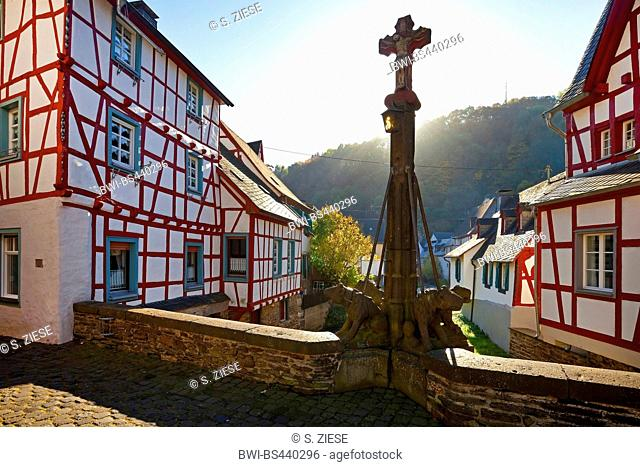 historical city of Monreal with timbered houses at river Elzbach, Germany, Rhineland-Palatinate, Eifel, Monreal