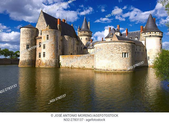 Sully sur Loire, Castle, Chateau de Sully sur Loire, Loire Valley, UNESCO World Heritage Site, Loire River, Loiret department, Centre region, France, Europe