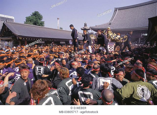 Japan, Tokyo, Sanja-Matsuri-Festival, Procession, men, relic, carries Spectators, Asia, Eastern Asia, island Honshu, capital, city, city of millions, metropolis