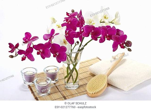 Wellness - Bath brush, towel, orchids and tealights