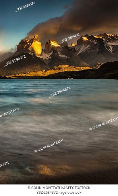 Cuernos del Paine at dawn, Lago Pehoe, Parque Nacional Torres del Paine, Patagonia, Chile