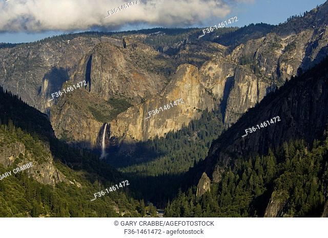 Bridalveil Fall, Yosemite Valley, Yosemite National Park, California