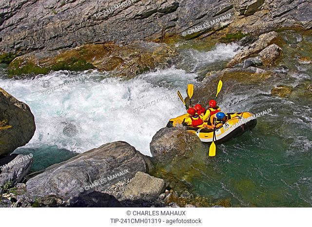 France, Hautes Alpes, Regional park of Queyras, Guil gorge, rafting
