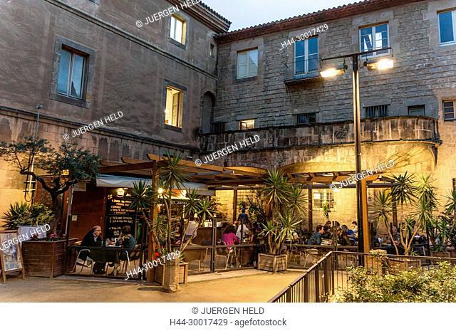 Spain, Catalonia, Catalunya, Barcelona, Raval, El Jardi Restaurant, Hospital de Santa Creu
