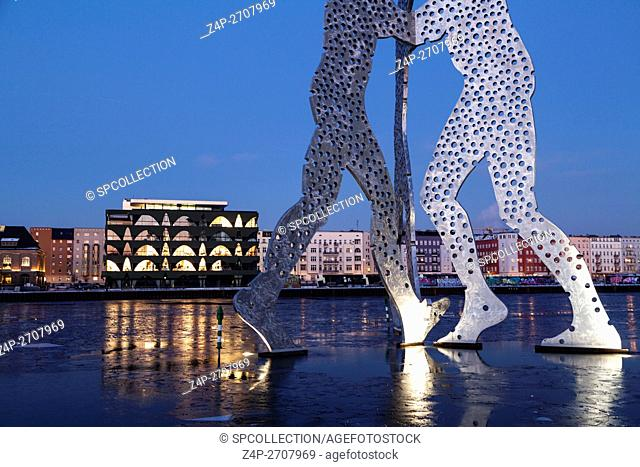 Molecule Man and Labels Berlin 2 fashion centre in Berlin in winter