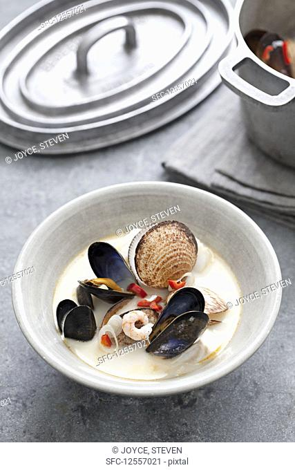 Seafood chowder with giant clams, mussels, prawns and chilli