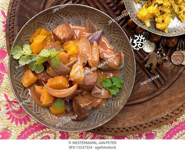 Tandoori lamb slices with pineapple and coconut milk