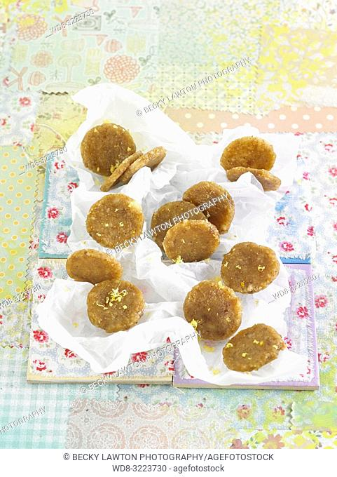 galletas de citricos e higos secos / citrus cookies and dried figs