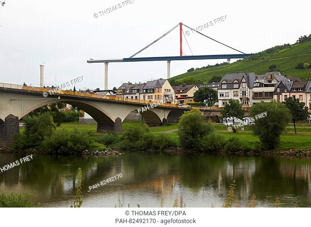 View of the construction site of the Hochmosel bridge near Zeltingen-Rachtig, Germany, 4 August 2016. The bridge stretches across the Mosel river between Eifel...