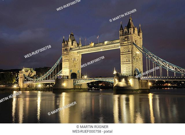 United Kingdom, England, London, View of tower bridge with river thames
