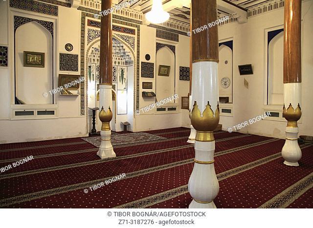 Uzbekistan, Samarkand, Khodja Nisbatdor Mosque, interior,