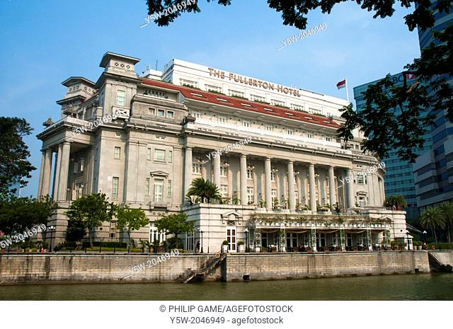 Fullerton Hotel, the former General Post Office building in Singapore