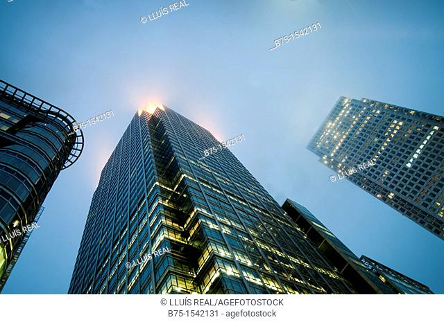 Business buildings, City, Canary Wharf, London, England, UK