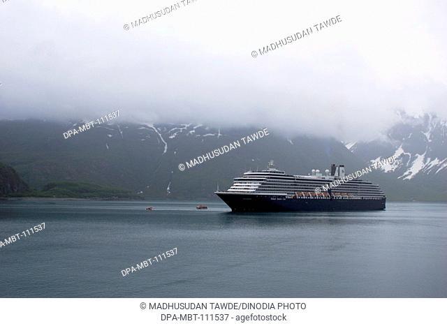 Oosterdam cruise ship of America going to Hubbard glacier and Saint Elias mountain; the longest tidewater glacier in Alaska; Saint Elias  national park ;...