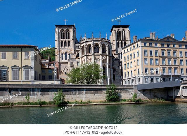 France, Lyon, Quays of the Saône River, Quai Romain Rolland, Cathédrale Saint-Jean-Baptiste, Photo Gilles Targat