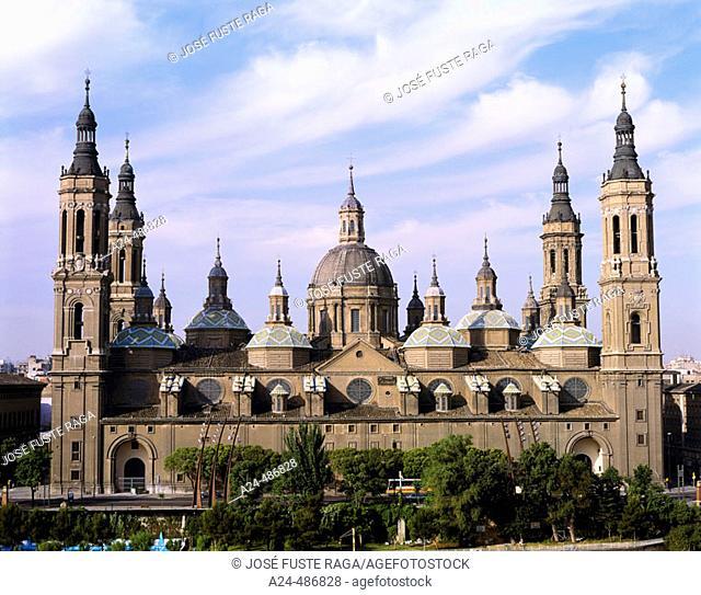 Basílica del Pilar, Zaragoza. Aragon, Spain