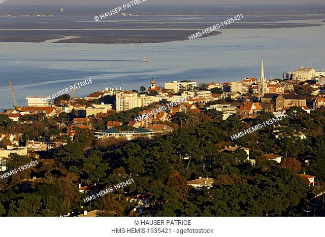 France, Gironde, Bassin d'Arcachon, Arcachon (aerial view)