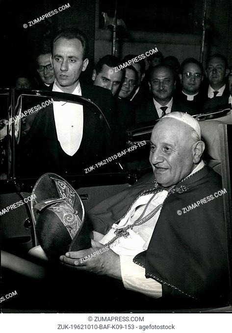 Oct. 10, 1962 - His Holiness the Pope Joannus XXIII arrived to night to Rome from his trip to Assisi and Loreto. Enthusiastic welcomes and flowers for the Pope...