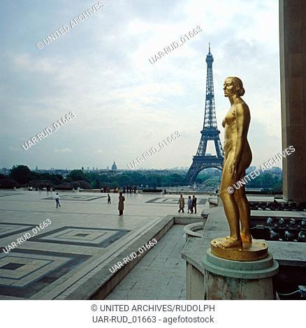Der Eifelturm in Paris; Frankreich 1970er Jahre. The Eifel Tower in Paris; France 1970s