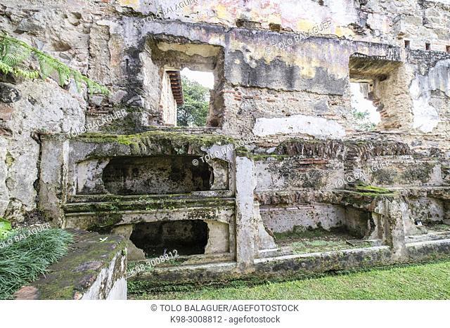 capilla de los nichos, Casa de Santo Domingo, antiguos templo y convento de Santo Domingo y al Colegio Mayor de Santo Tomás de AquinoAntigua Guatemala