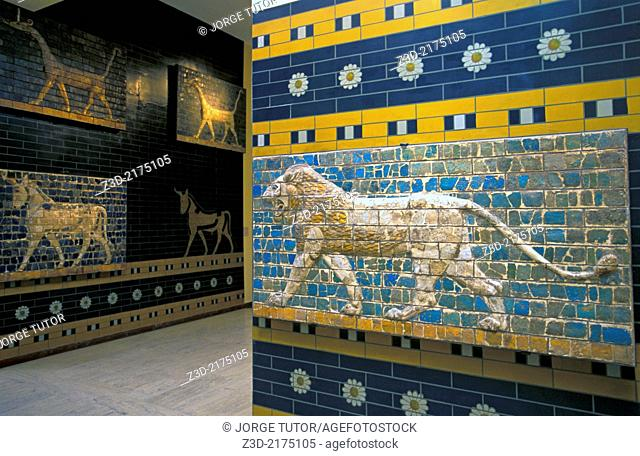 Lion fragment of the Babylonian Ishtar Gate, Istanbul Archaeological Museum, Turkey