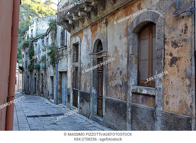 Typical alley in Ragusa Ibla, Ragusa, Sicily, Italy