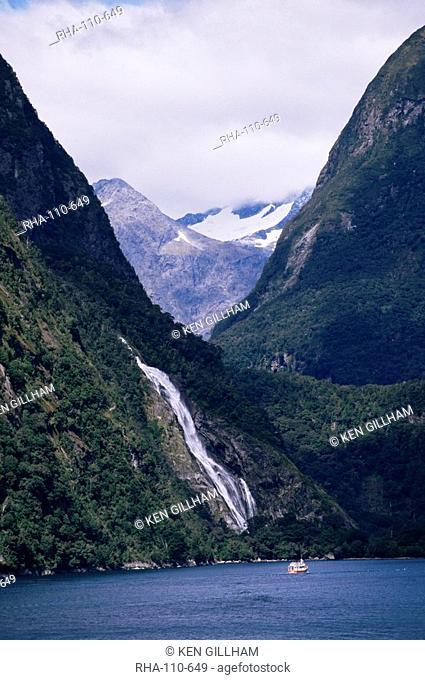 Mount Pembroke, Harrison Cove, Bowen Falls, Milford Sound, Otago, South Island, New Zealand, Pacific