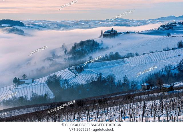 Italy, Piedmont,Cuneo district, Langhe, the castle of Volta near Barolo during a winter morning