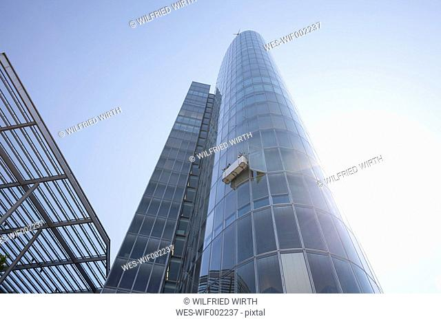 Germany, Duesseldorf, view to modern office building