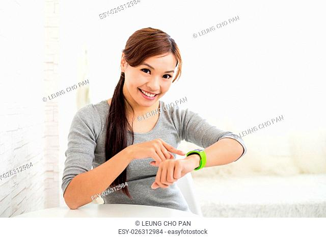 Woman use of the smart watch