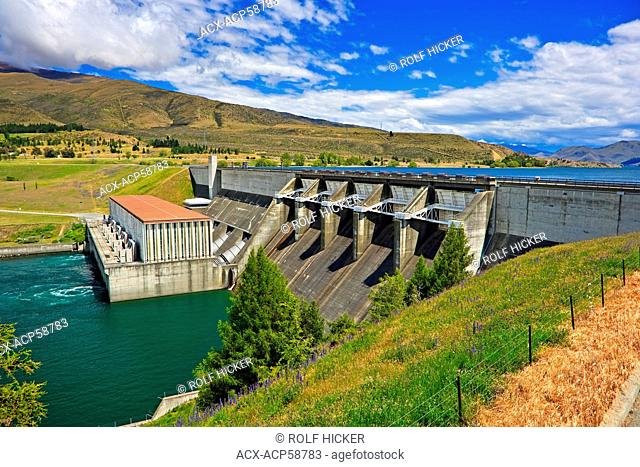 Aviemore Dam with Lake Aviemore above and Lake Waitaki at its base, along Highway 83, North Otago, South Island, New Zealand