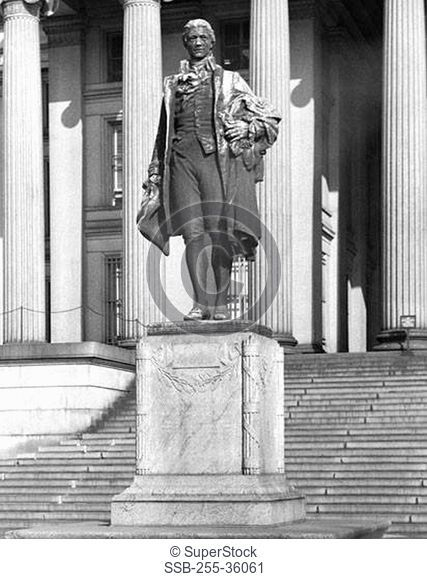 Statue of the Alexander Hamilton in front of the US Treasury Department Building, Washington DC, USA