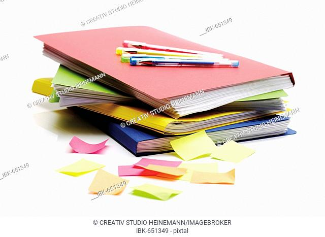 Folder, post-it notes and pens
