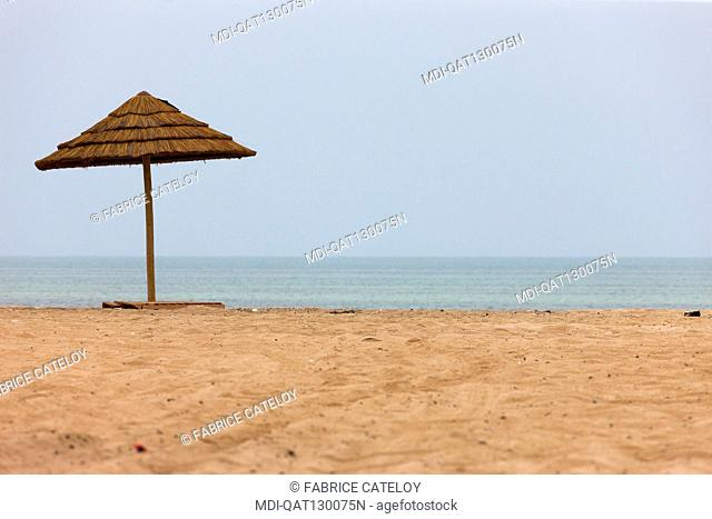 Qatar - Al Ghariyah - Parasol on the beach