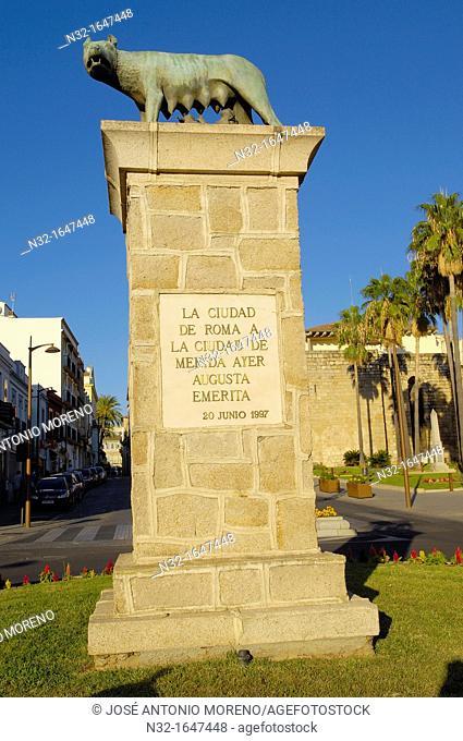 Romulus and Remus monument, Merida, Badajoz province, Extremadura, Ruta de la Plata, Spain