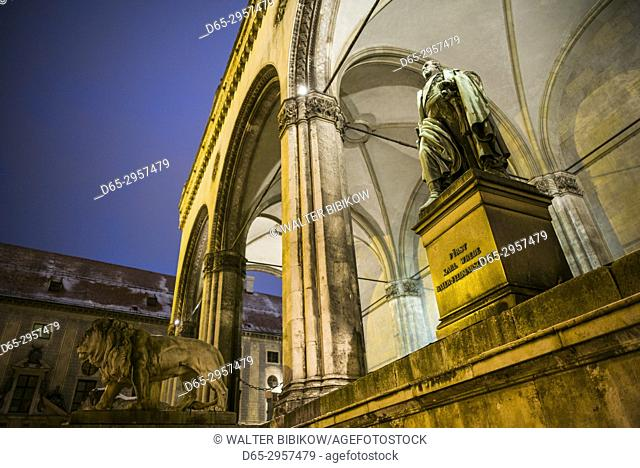 Germany, Bavaria, Munich, the Feldherrnhalle monument, evening, statue of Fieldmarshall Karl Wrede