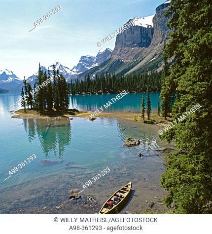 Spirit Island and Maligne Lake. Jasper National Park. Alberta, Canada