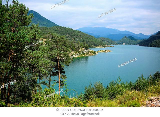 Catalunya, Spain, Lleida province, Llosa del Cavall reservoir at practically full capacity of 79,4 cubic hectometers on the Cardoner river, near Naves