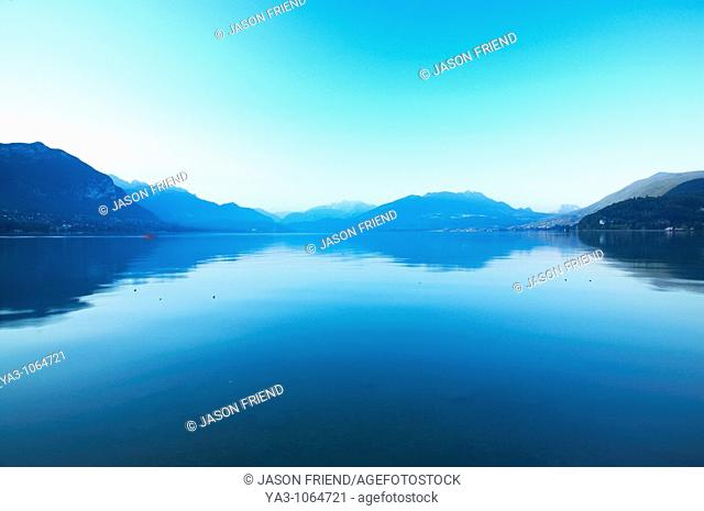 France, Rhône-Alpes, Annecy Dawn looking accross the Lac d'Annecy Annecy Lake, located near the town of Annecy