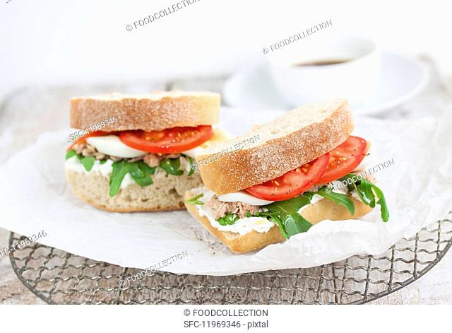 Ciabatta sandwiches with tuna fish, quark, rocket, tomatoes and egg
