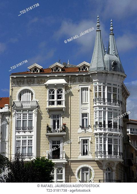 Castro Urdiales (Cantabria). Building in the urban center of the town of Castro Urdiales