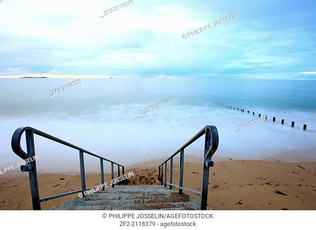 France, Brittany, Ille-et-Vilaine, Saint-Malo, long exposure on the breakwater