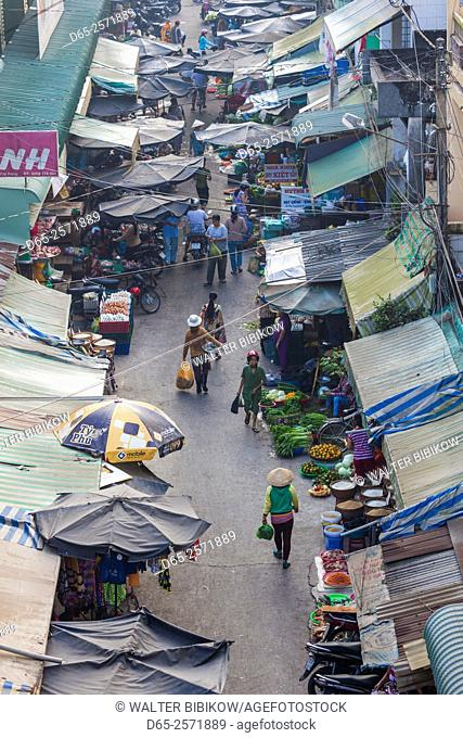 Vietnam, Mekong Delta, Cai Rang, Cai Rang Floating Market, elevated view of the street market