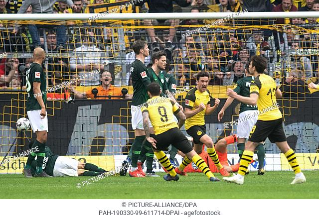 30 March 2019, North Rhine-Westphalia, Dortmund: Soccer: Bundesliga, Borussia Dortmund - VfL Wolfsburg, 27th matchday at Signal Iduna Park