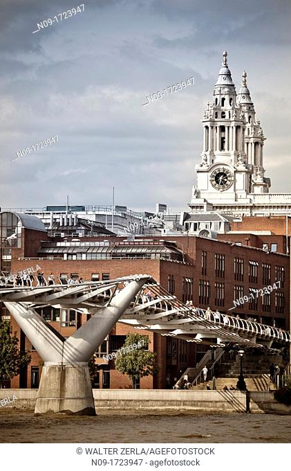 UK, England, London, Millenium Bridge