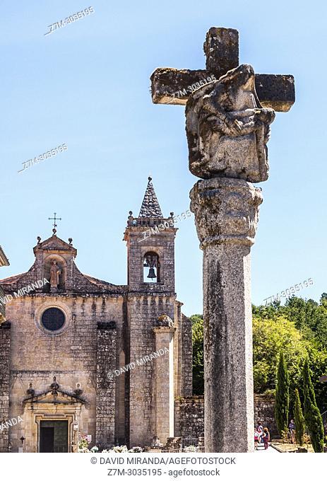 Cruceiro y Monasterio de San Estevo de Ribas de Sil (parador de turismo). Ourense. Galicia. Spain