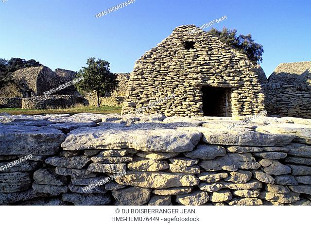 France, Vaucluse (84), Gordes village, one of the Most Beautiful Villages of France, Bories village