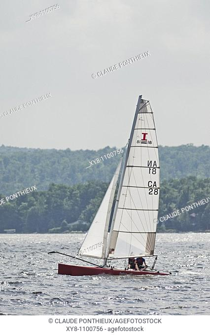 Sailboat, Brompton-Lake, Québec, Canada