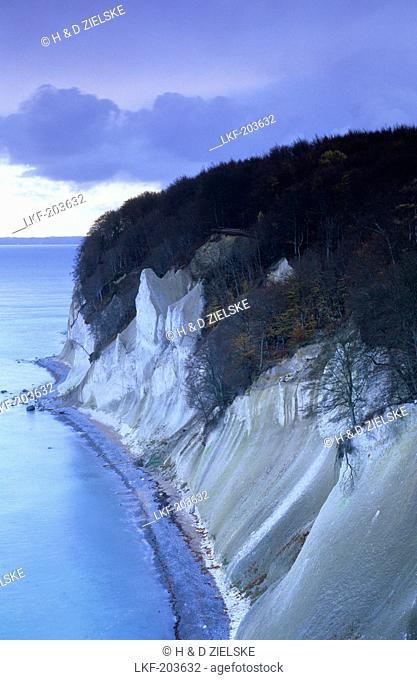 Europe, Germany, Mecklenburg-Western Pomerania, isle of Ruegen, Wissower Klinken, chalk cliffs at Jasmund National Park